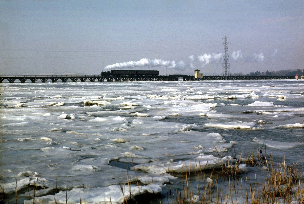 LANGSTONE RAIL BRIDGE WINTER 1963 4807